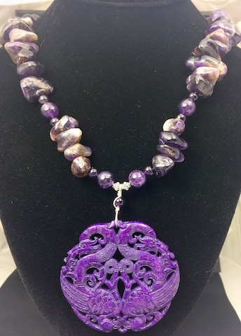 ** NEW ** Purple Jade Stone and Genuine Amethyst Necklace